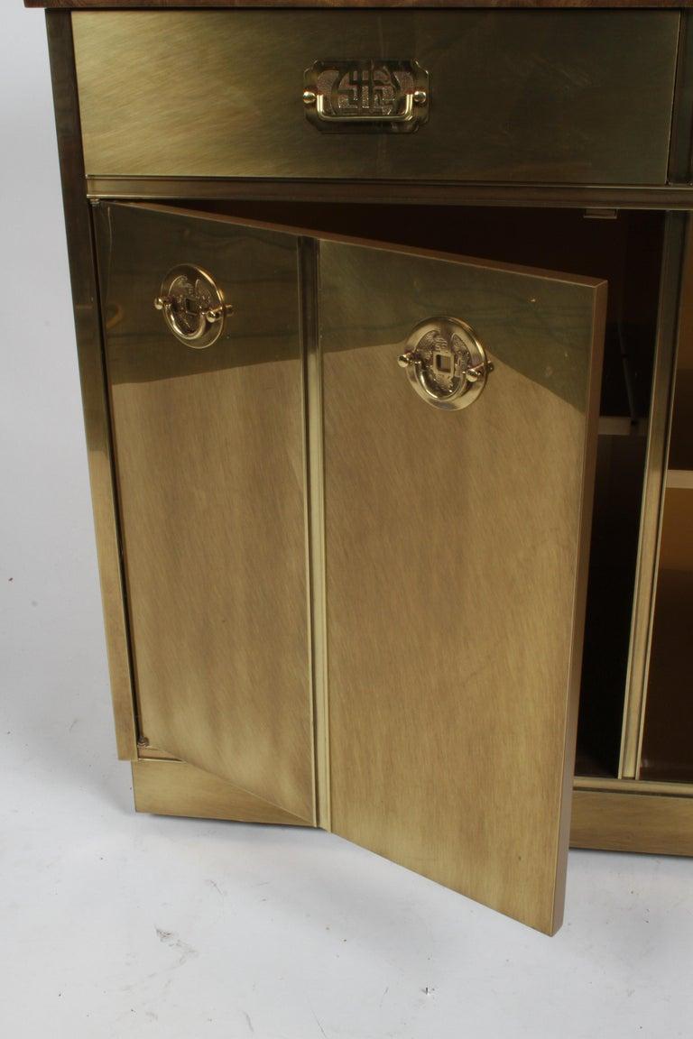 Hollywood Regency Mastercraft Brass and Burled Elm Dry Bar Server with Flip Top For Sale 8