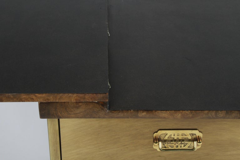 Hollywood Regency Mastercraft Brass and Burled Elm Dry Bar Server with Flip Top In Good Condition For Sale In St. Louis, MO