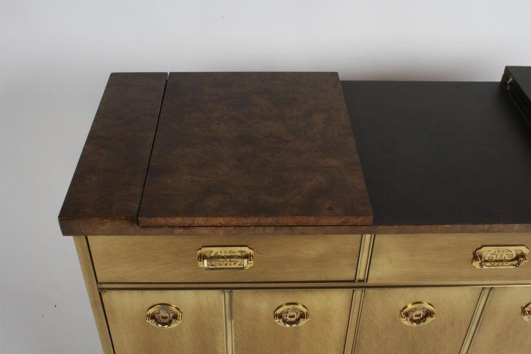 Hollywood Regency Mastercraft Brass and Burled Elm Dry Bar Server with Flip Top For Sale 2