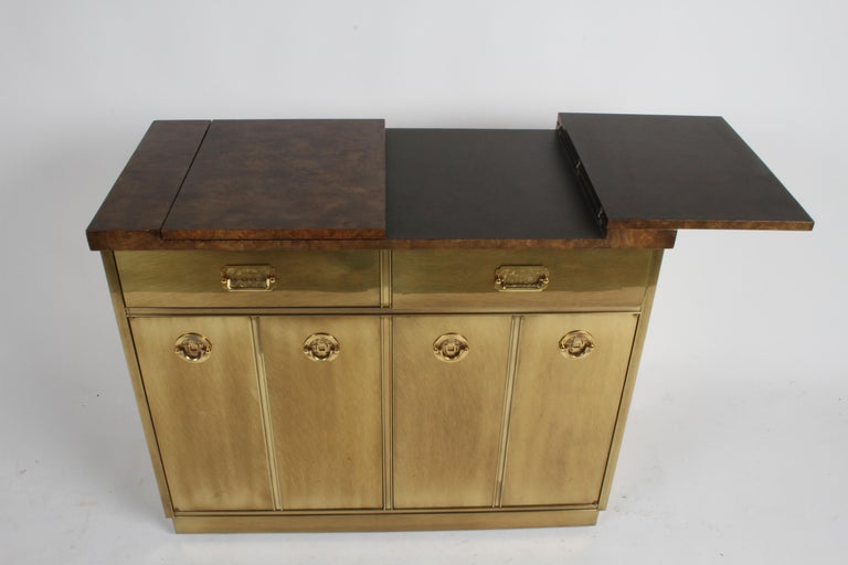 Hollywood Regency Mastercraft Brass and Burled Elm Dry Bar Server with Flip Top For Sale 3