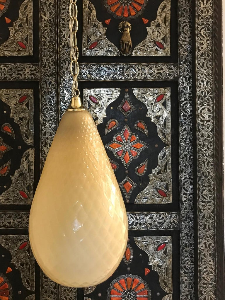 Italian Hollywood Regency Moroccan Style Murano Glass Pendant in Beige Italy circa 1960s For Sale