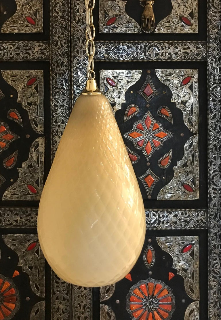 Etched Hollywood Regency Moroccan Style Murano Glass Pendant in Beige Italy circa 1960s For Sale