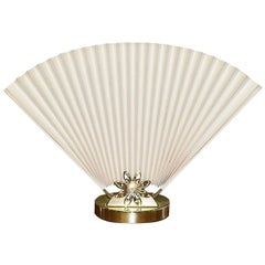 Hollywood Regency or Chinoiserie Accordion Fan Table Lamp in Cream and Gold