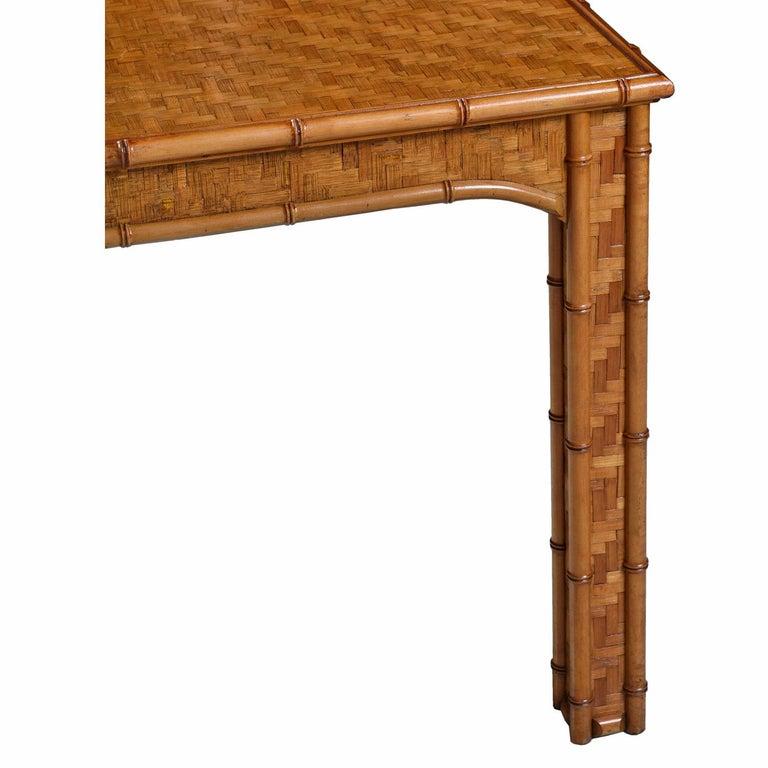Hollywood Regency Parsons Style Herringbone Rattan Basket Weave Dining Table In Good Condition For Sale In Saint Petersburg, FL