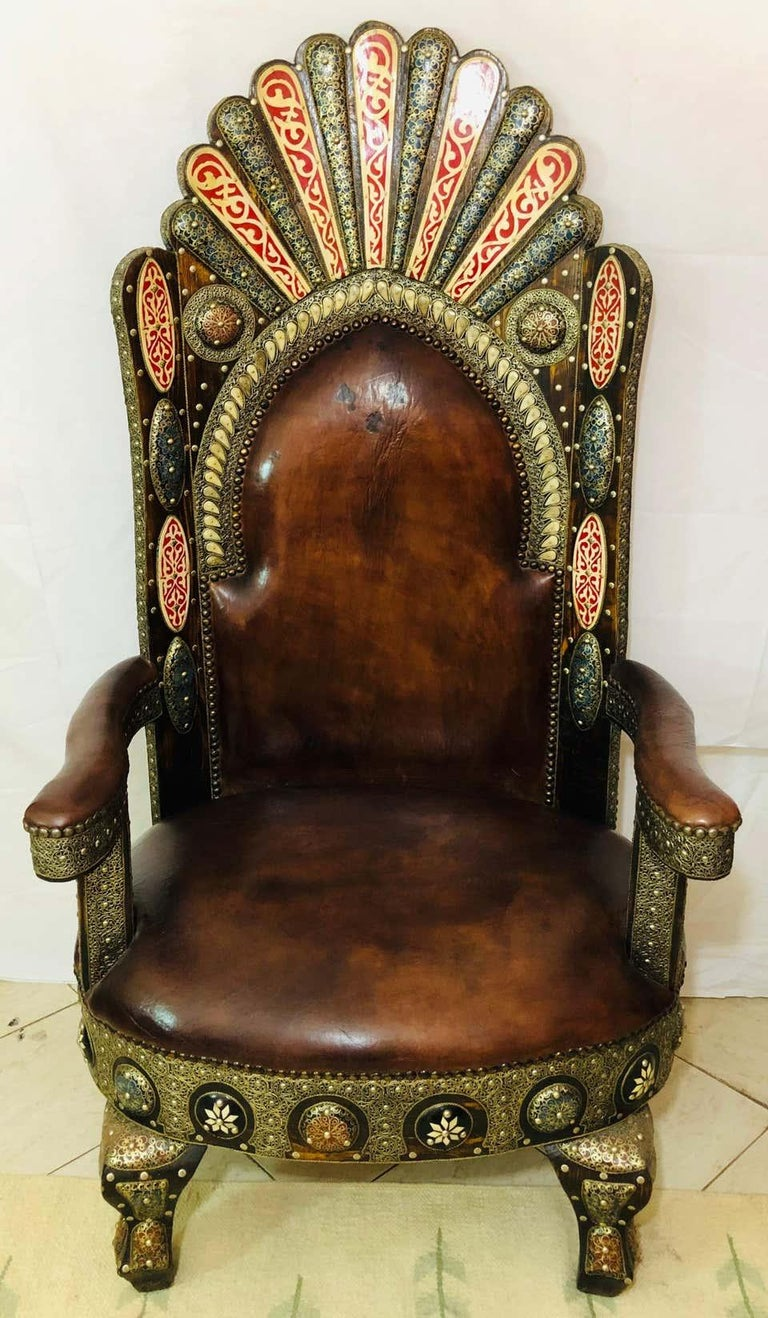 Hollywood Regency Royal Style Handmade Fine Leather Pair of Chairs and Table For Sale 7