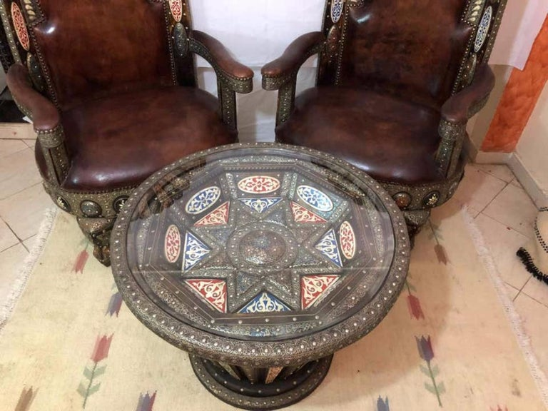 Late 20th Century Hollywood Regency Royal Style Handmade Fine Leather Pair of Chairs and Table For Sale