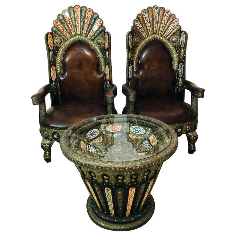 Hollywood Regency Royal Style Handmade Fine Leather Pair of Chairs and Table For Sale