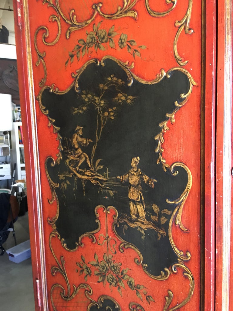 Hollywood Regency Secretary Desk Secretaire Bookcase with Chinese Motif In Excellent Condition For Sale In Van Nuys, CA