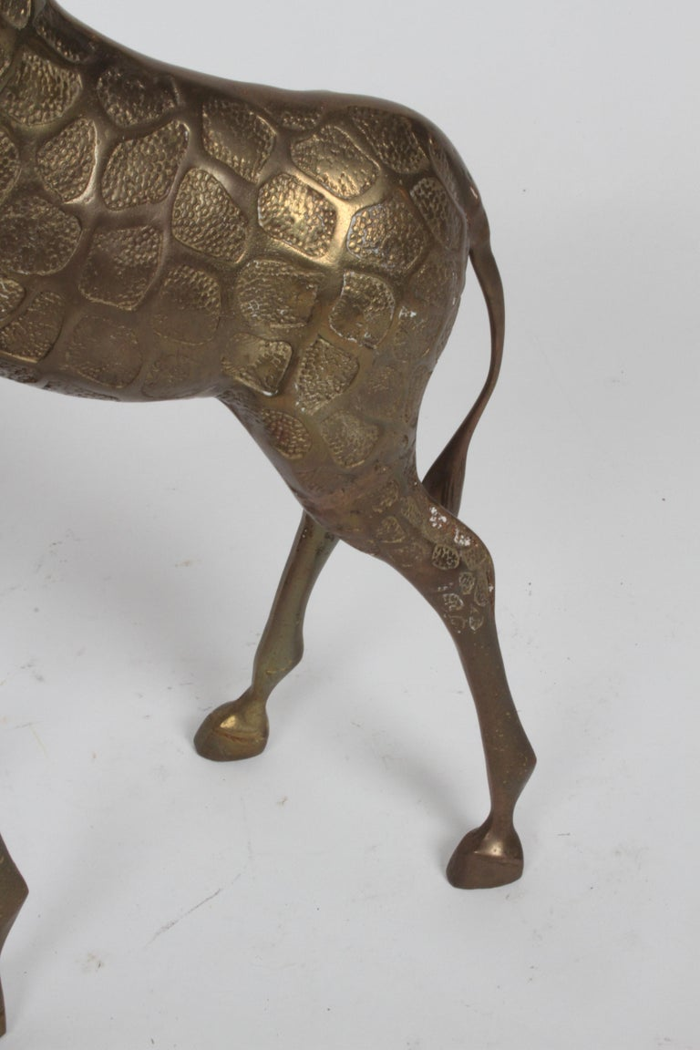 Hollywood Regency Style Brass Giraffe Floor Statue or Sculpture, circa 1970s For Sale 1