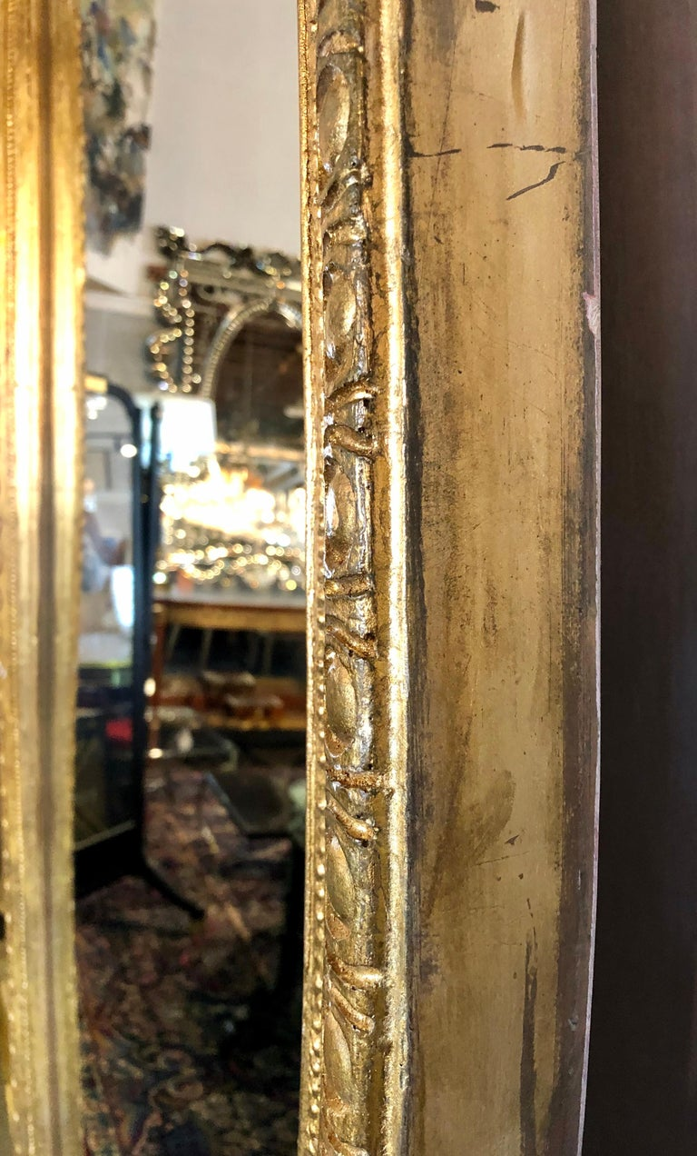 Hollywood Regency Style Giltwood Carved Standing Floor or Wall Mirror For Sale 4