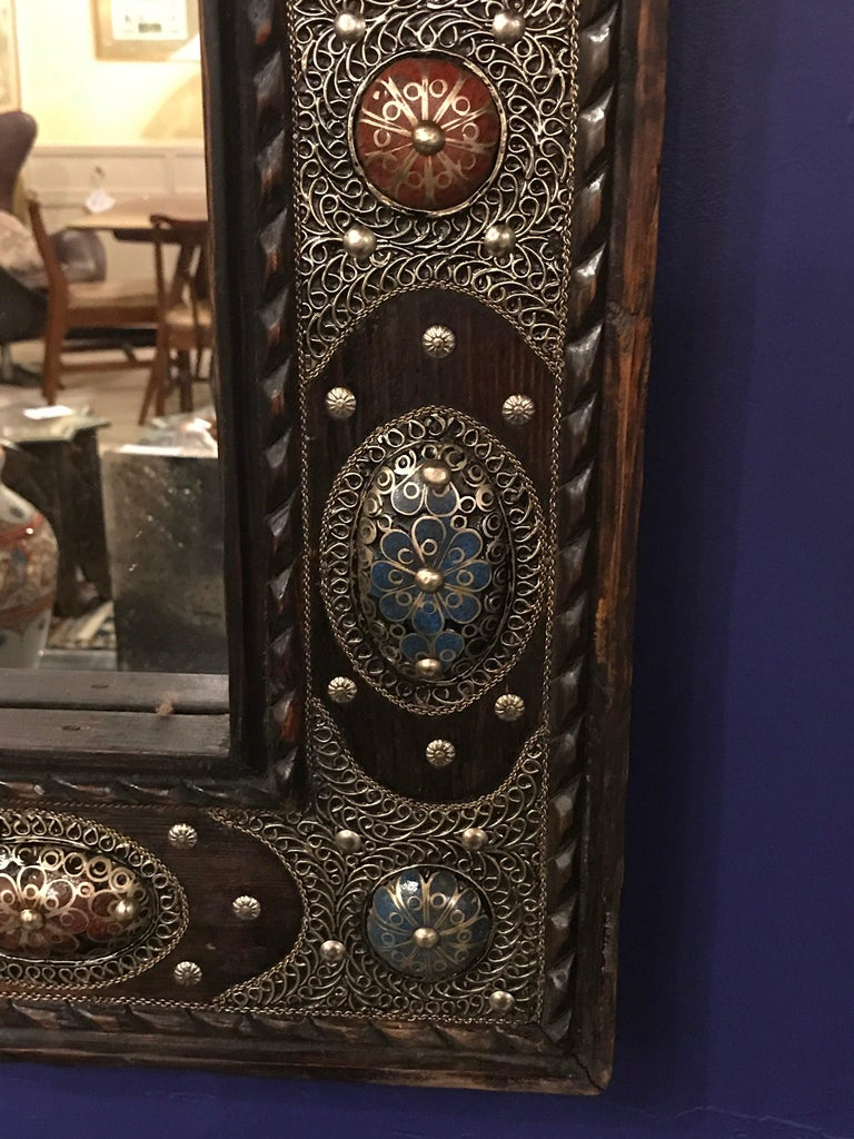 Hollywood Regency Style with Natural Stone and Brass Inlaid Hanging Wall Mirror In Good Condition For Sale In Plainview, NY