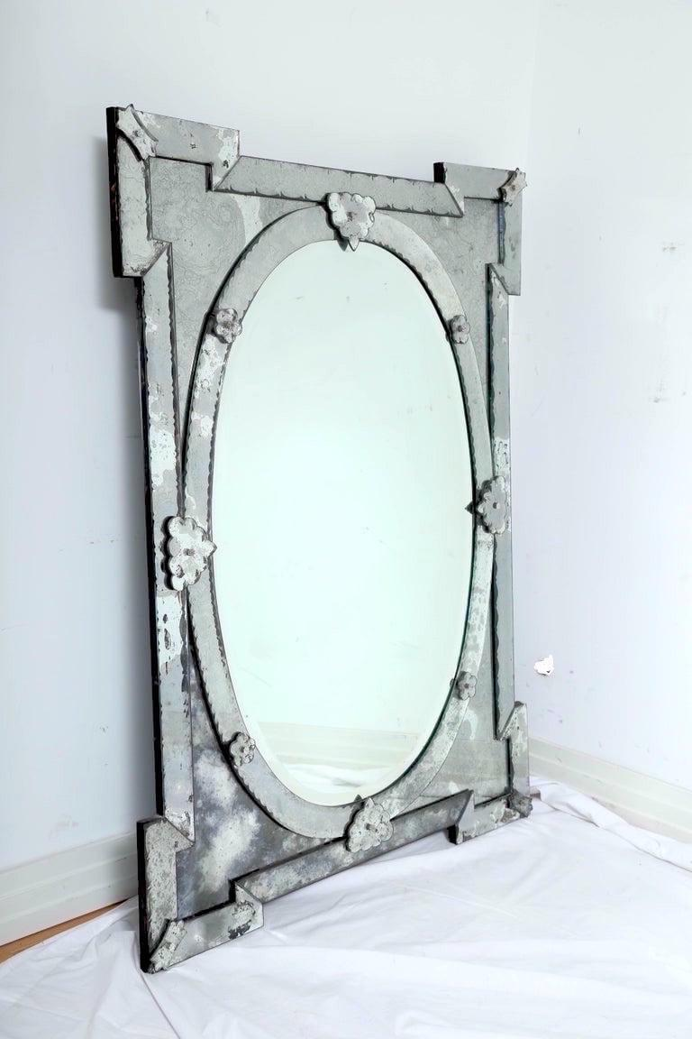 Hollywood Regency Venetian Mirror with Elegant Shield Design, 1940s For Sale 1