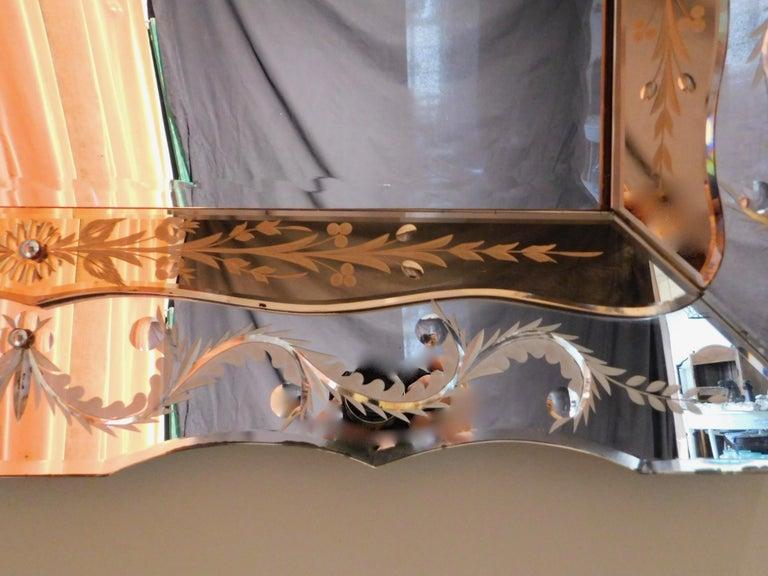 Italian Hollywood Regency Venetian Mirror with Peach Colored Interior Edge, circa 1940 For Sale