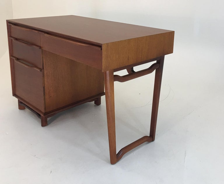 Mid-20th Century Honduran Mahogany Vanity by Hickory Manufacturing For Sale