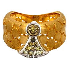 Honeycomb Fancy Color and White Diamond Band Ring in 18 Karat Gold