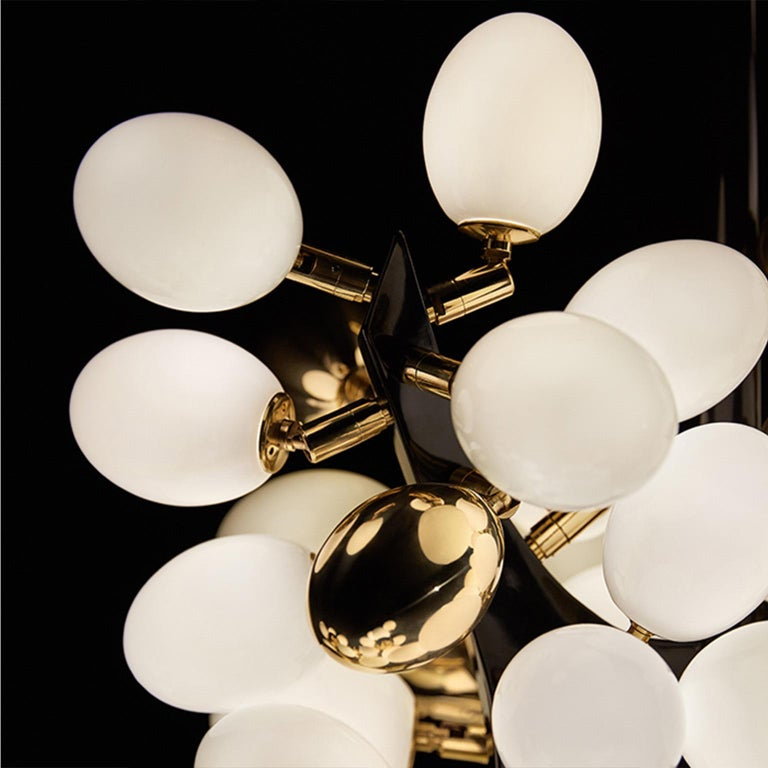 Contemporary Horizontal Valiant Chandelier For Sale