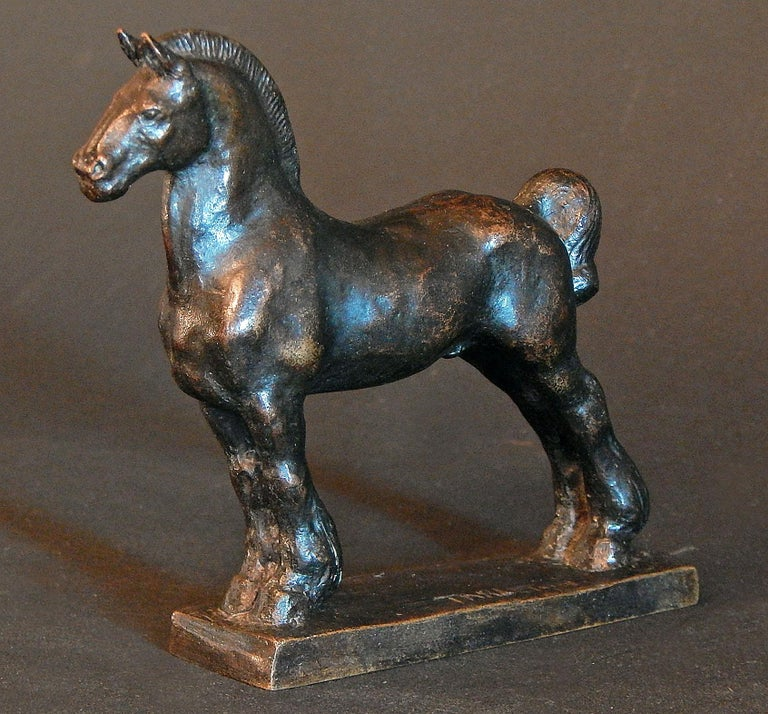 Sculpted by Mary Tarleton Knollenberg, this rare bronze of a standing horse depicts its tail in a classic mud knot, used by equestrians to keep a horse's tail free of dirt and mud from the track. The animal is beautifully realized and is given great
