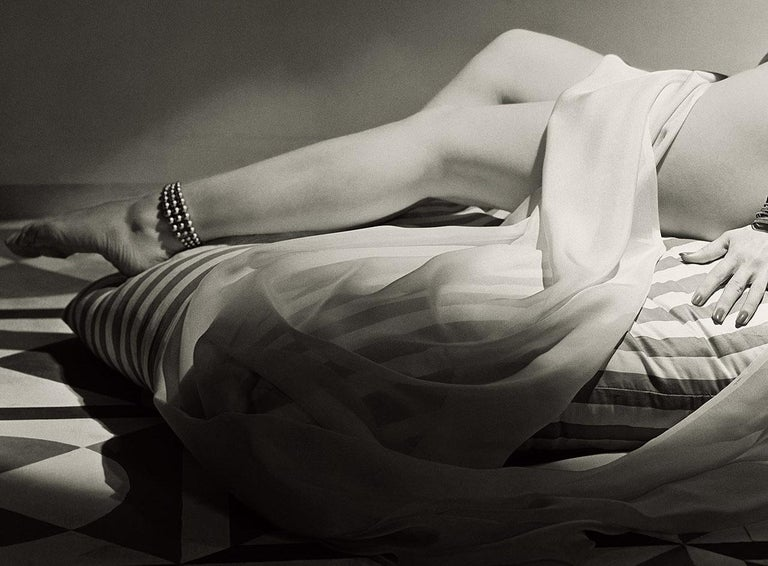 Classics - Odalisque II, 1943, Medium/Large - Modern Photograph by Horst P. Horst