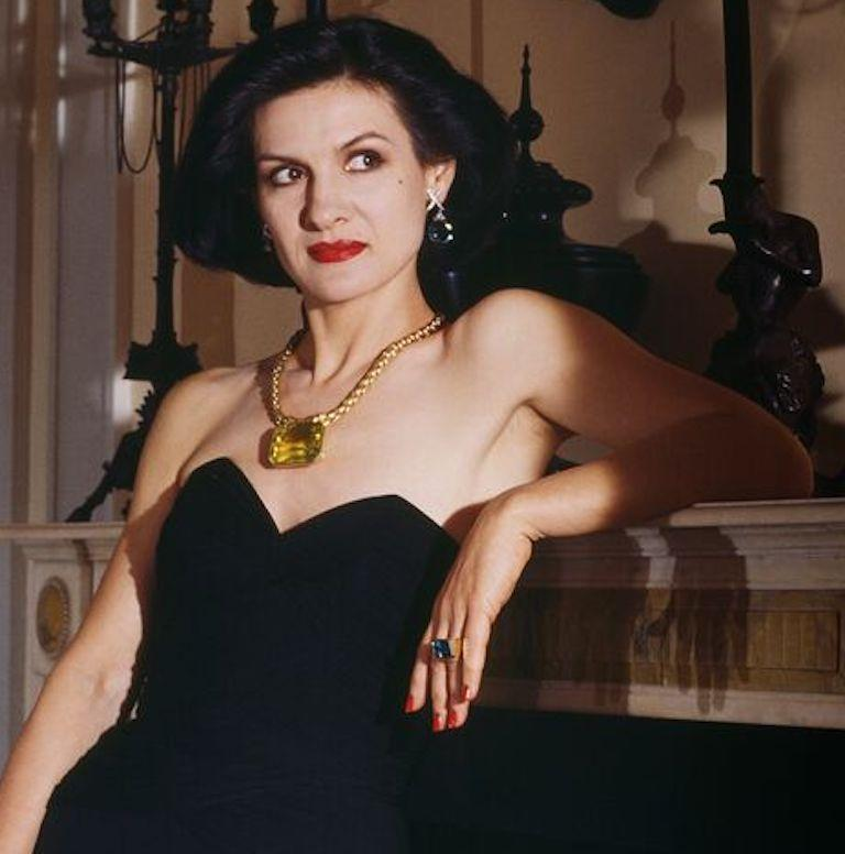 Paloma Picasso - Paloma and Jewellery, New York, 1985, Small Color Photograph For Sale 3