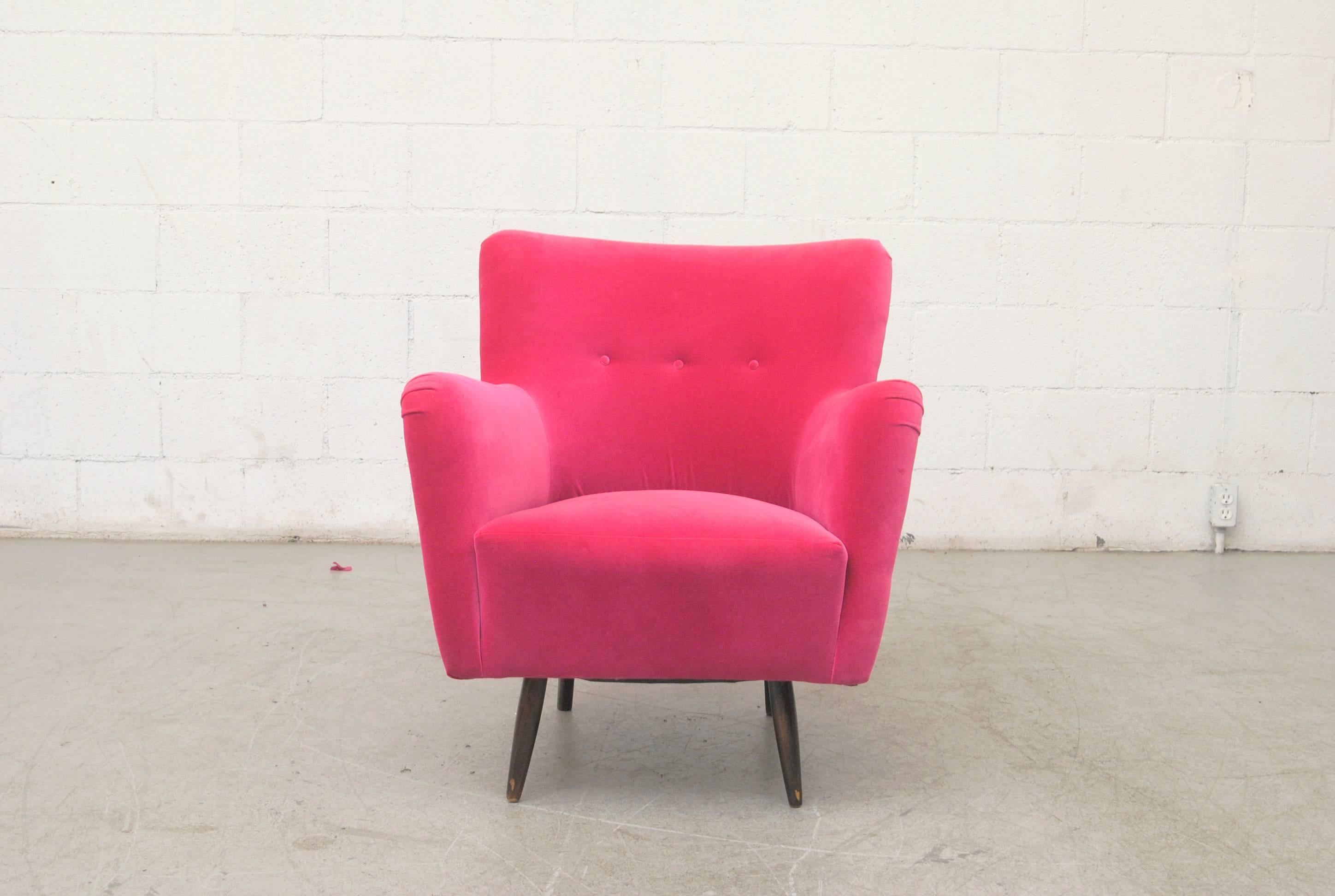 Merveilleux Theo Ruth Lounge Chair, Circa 1956, Newly Upholstered In Hot Pink Velvet  With Original