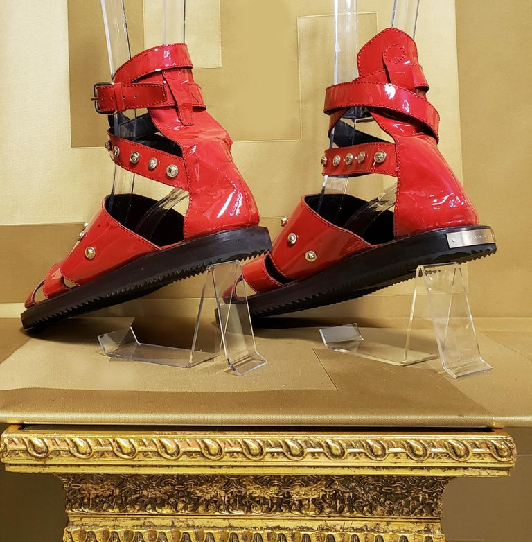 HOT!!! S/S'12 Look #32 VERSACE RED LEATHER SANDALS SHOES 44-11 For Sale 1