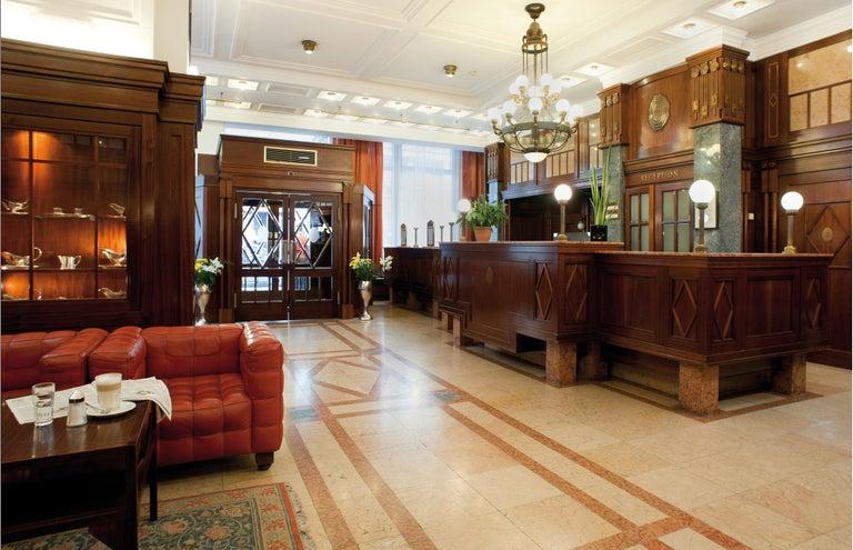 Hand-Crafted Hotel Astoria Vienna Jugendstil Table Lamp - Re-Edition  For Sale