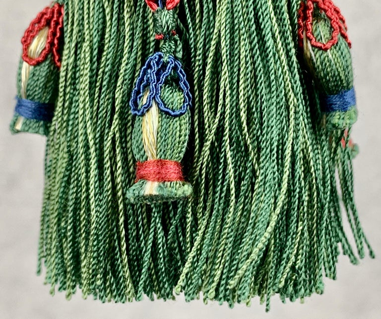 Passmenterie Key Tassel or Gland Cle by Houlés of Paris, Hand Tied  in Verte  In Good Condition In West Palm Beach, FL