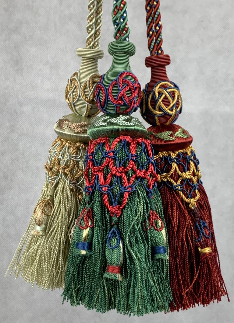 Late 20th Century  Passmenterie Key Tassel or Gland Cle by Houlés of Paris, Hand Tied  in Verte