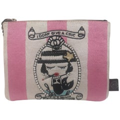 House of muamua i don't give a chic zip pochette
