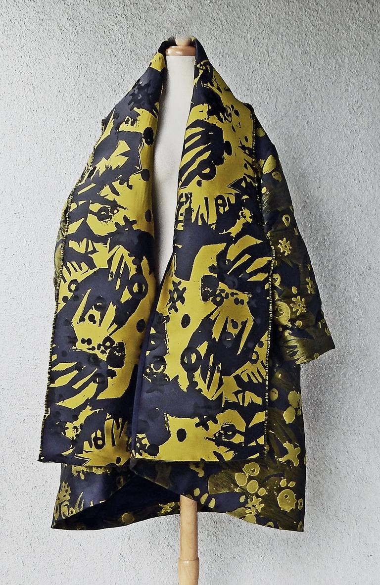 House of Poiret Runway Dramatic Oversized Cocoon Evening Coat    NWT In New Condition In Los Angeles, CA