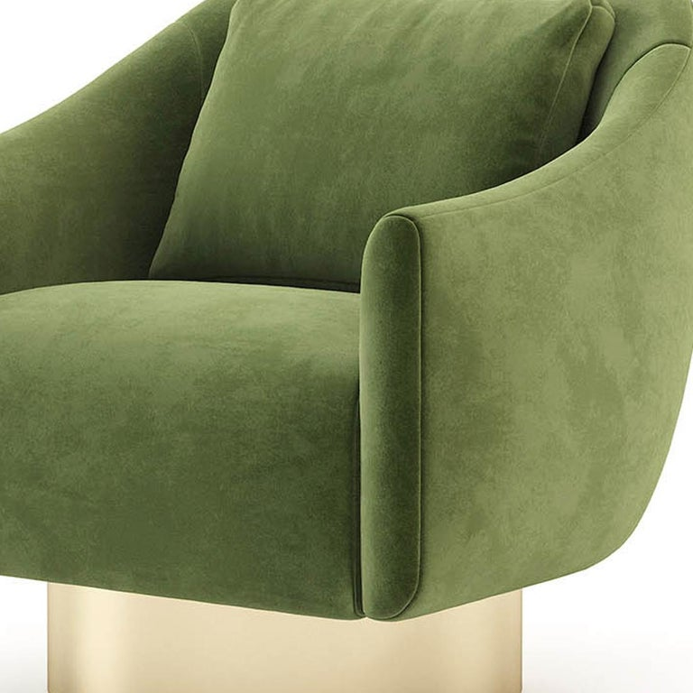 Contemporary Howard Armchair with Green Velvet Fabric For Sale