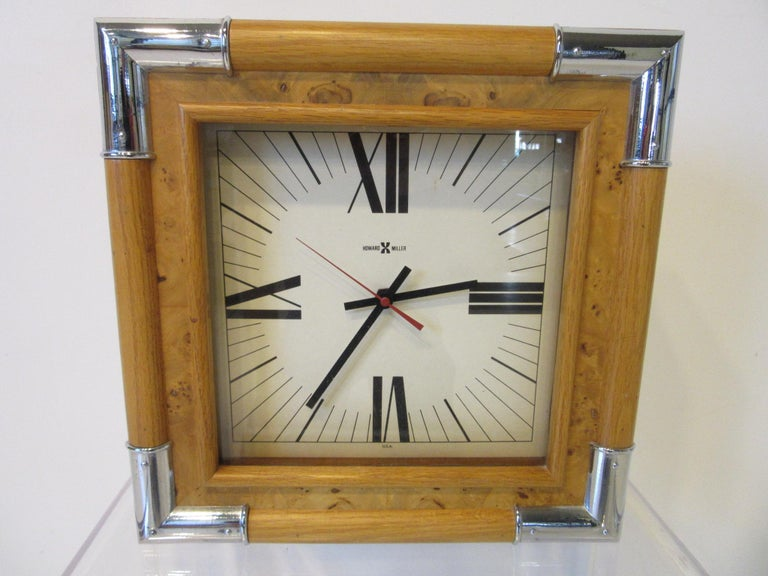 Howard Miller Burl / Chrome Wall Clock In Good Condition For Sale In Cincinnati, OH