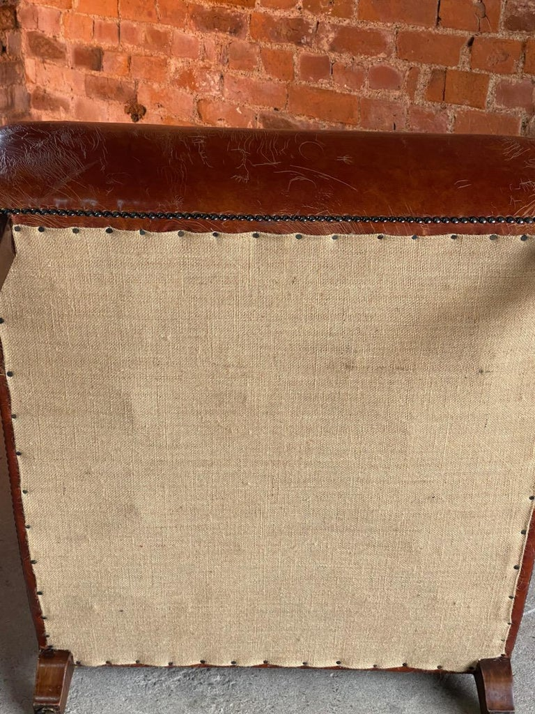 Howard & Sons Bridgewater Armchair, 19th Century, circa 1890 For Sale 2