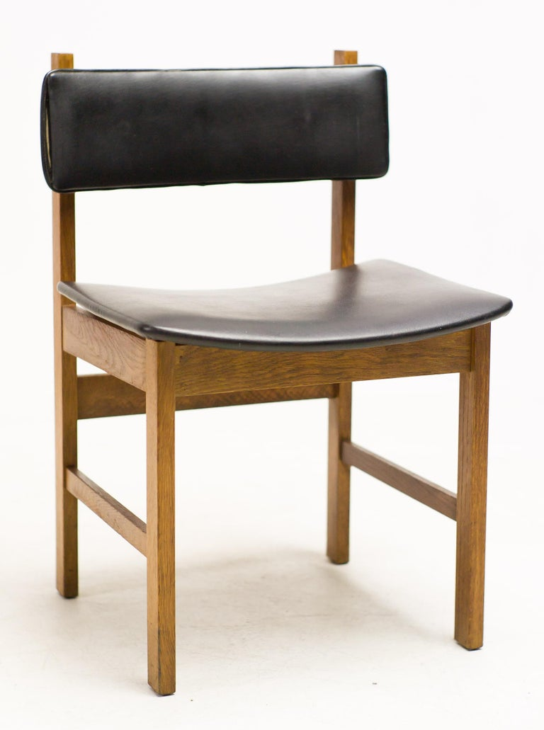 H.P. Hansen Set of Four Danish Architectural Dining Chairs In Good Condition For Sale In Dronten, NL