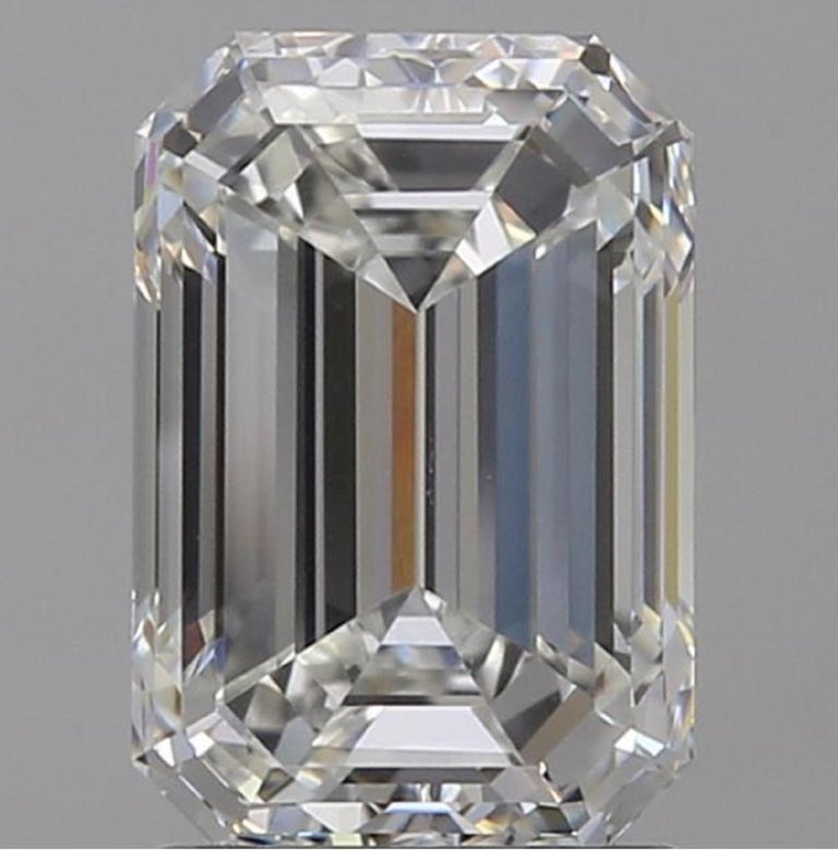 HRD 5.50 Carat Emerald Cut Diamond Ring In New Condition For Sale In Rome, IT