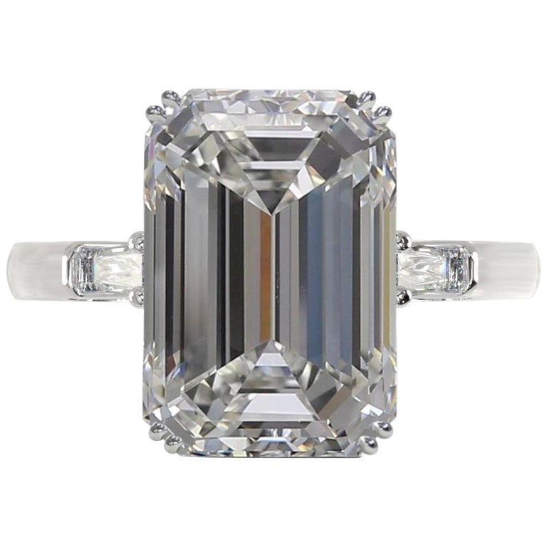 HRD 5.50 Carat Emerald Cut Diamond Ring For Sale