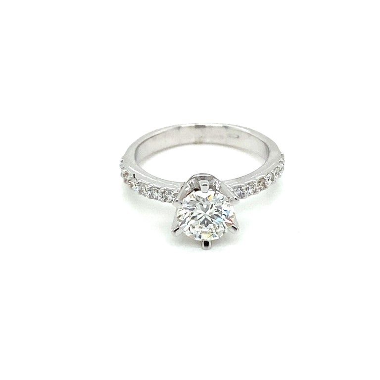 HRD Antwerp Certified 1 Carat Diamond Gold Engagement Ring For Sale 4