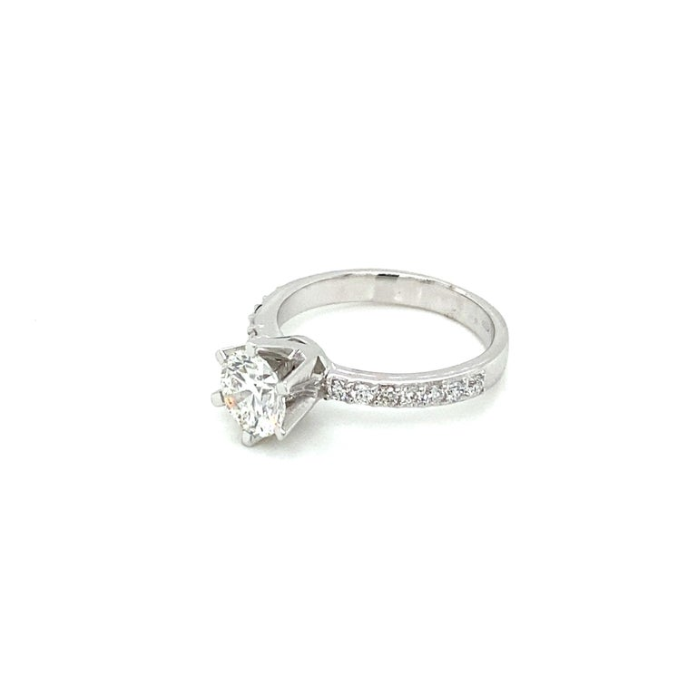HRD Antwerp Certified 1 Carat Diamond Gold Engagement Ring For Sale 2