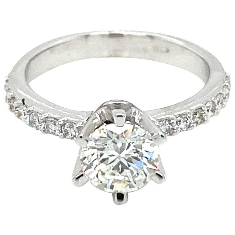 HRD Antwerp Certified 1 Carat Diamond Gold Engagement Ring For Sale
