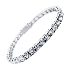 HRD Antwerp Certified, 9.20 Cts of 37 Diamonds, Set in Pyramid Tennis Bracelet