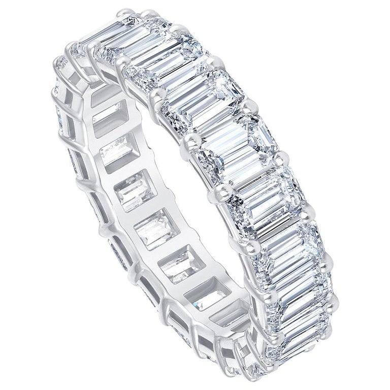 HRD Certified 5.65 Carat Emerald Cut White Diamond Eternity Ring or Band Rings In New Condition For Sale In Herzliya, IL
