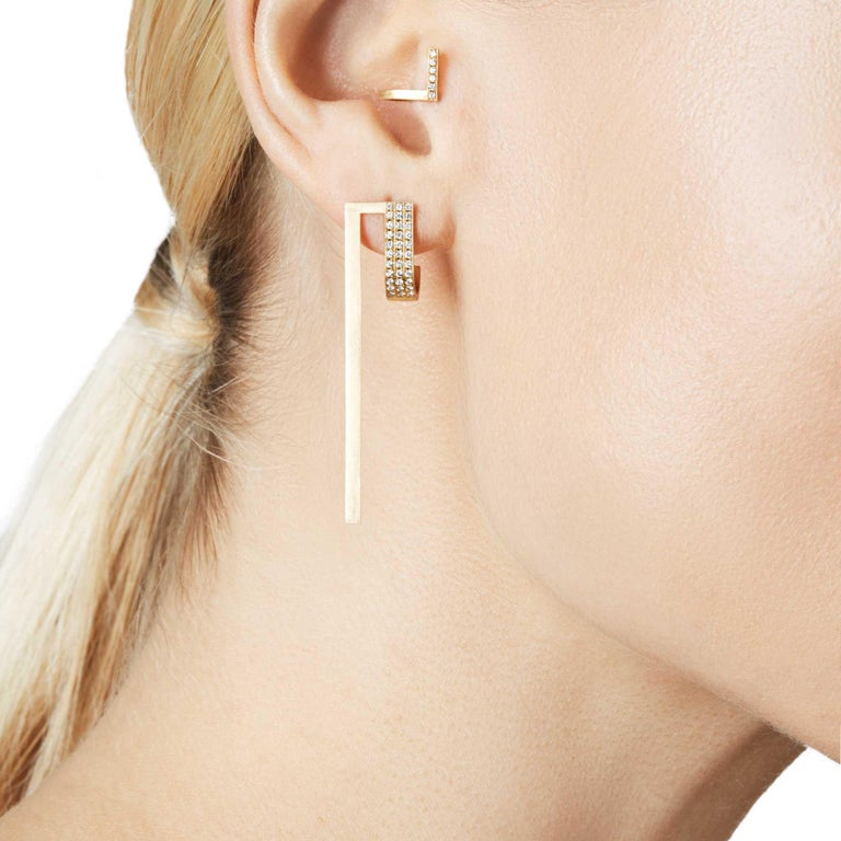 Round Cut Diamond 18-Karat Yellow Gold Curve Earrings For Sale