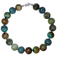 Hubei Turquoise Bead Necklace with Diamond White Gold 14 Karat Clasp