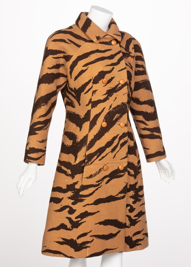 Hubert de Givenchy Haute Couture Coat Tiger Print Coat , 1969 In Excellent Condition For Sale In Boca Raton, FL