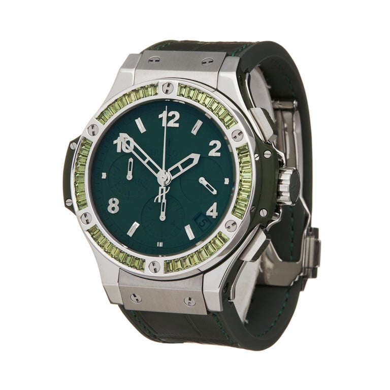 Reference: W5983 Manufacturer: Hublot Model: Big Bang Model Reference: 341.SV.5290.LR.1917 Age: Circa 2010's Gender: Unisex Box and Papers: Presentation Box, Service Pouch & Service Papers dated 16 April 2019 Dial: Green Arabic Glass: Sapphire