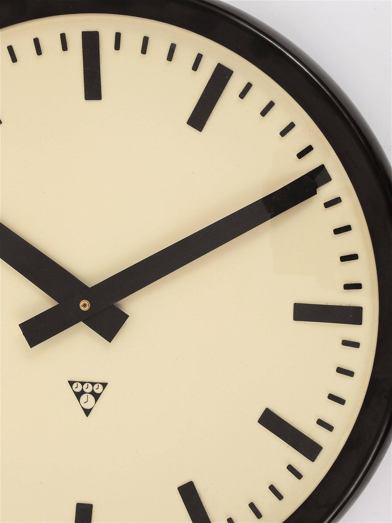 Mid-20th Century Huge Bakelite Industrial Train Station Wall Clock in Excellent Condition, 1940s For Sale