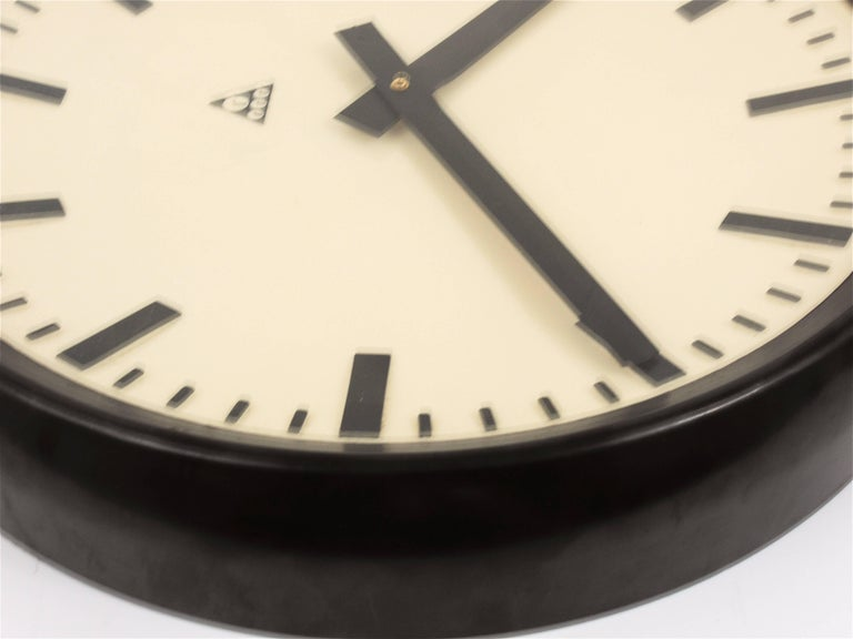 Glass Huge Bakelite Industrial Train Station Wall Clock in Excellent Condition, 1940s For Sale