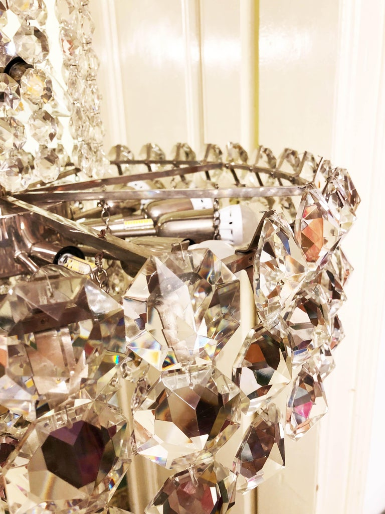 Huge Beautiful Crystal Chandelier by Bakalowits & Söhne Vienna, 1960s For Sale 3