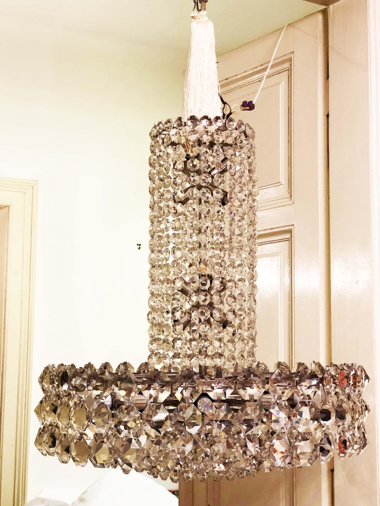 Mid-Century Modern Huge Beautiful Crystal Chandelier by Bakalowits & Söhne Vienna, 1960s For Sale