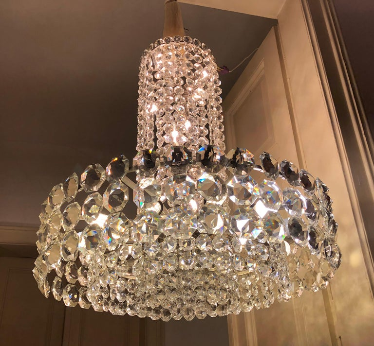 Mid-20th Century Huge Beautiful Crystal Chandelier by Bakalowits & Söhne Vienna, 1960s For Sale